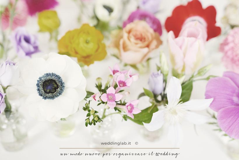 Rose, anemoni e fiorellini: fiori per un matrimonio in primavera